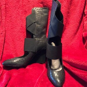 Industry wedge boots